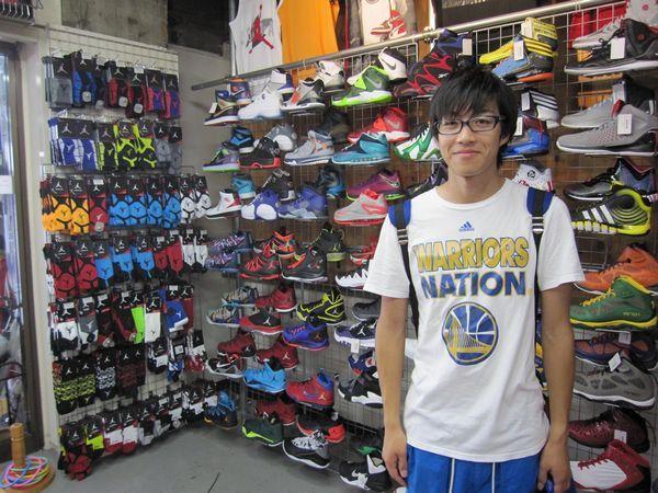 【新宿2号店】2014.08.23 かっこいいTシャツを着用してご来店下さいました♪どちらで購入されたのでしょうか?もちろんセレクション!!
