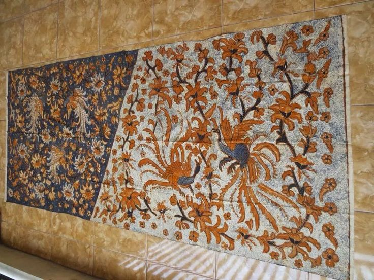 Batik Tulis Solo Lawasan. Hand-drawn vintage batik cloth from Solo. Private collection of Arief Laksono.