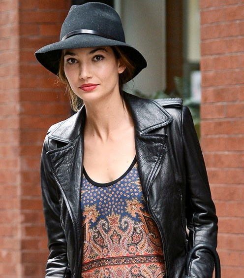 Lily Aldridge in a Burberry wide-brim hat....need one of these