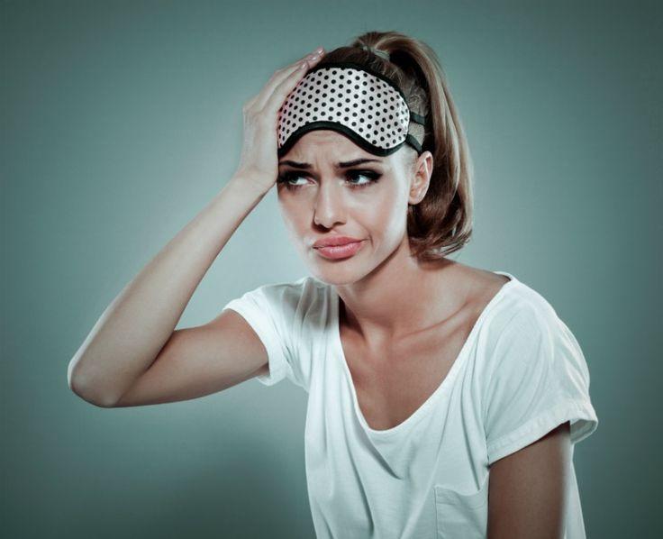 Invitadas exprés: Cómo librarte de ojos hinchados y ojeras si tienes una boda hoy mismo