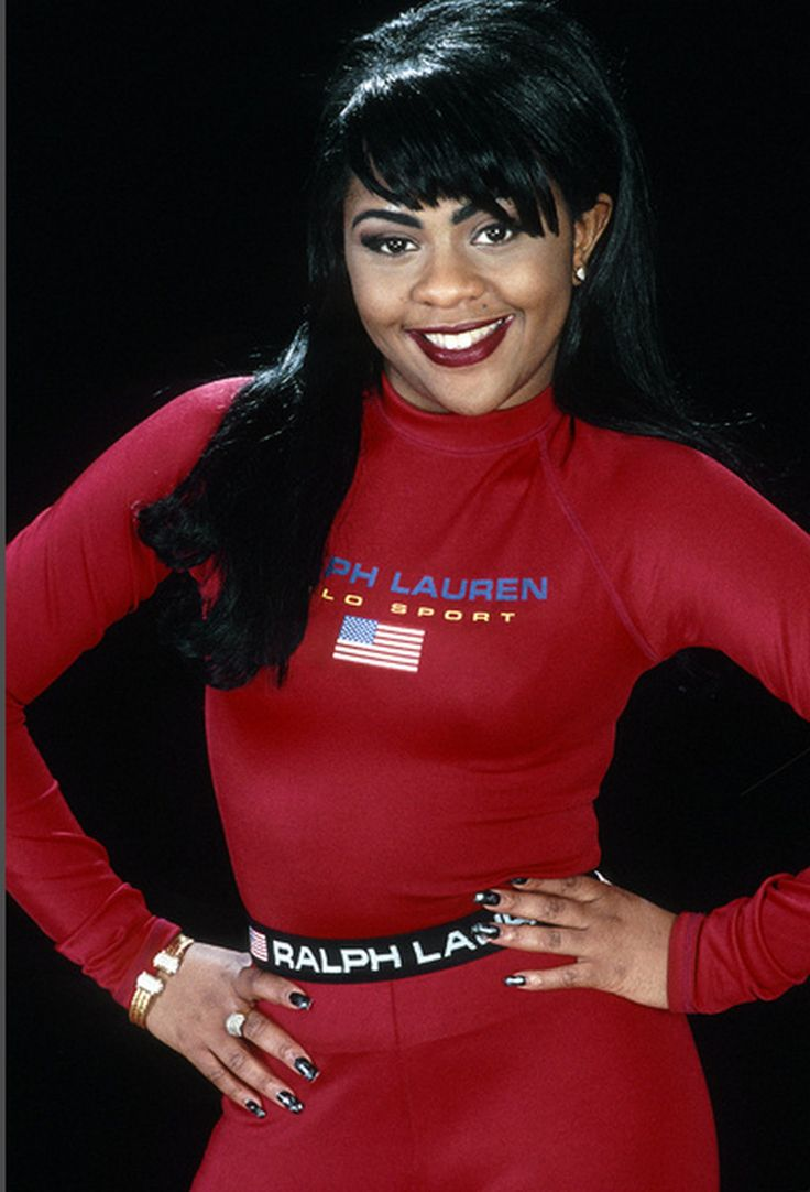 Lil' Kim Before she messed her face up!