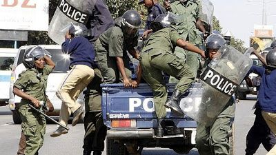 EkpoEsito.Com : Zambian police declare newspaper editor wanted