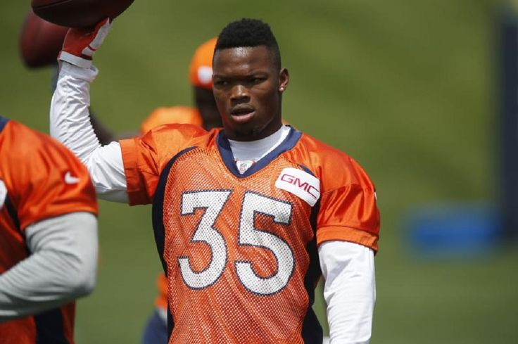 The San Francisco 49ers continued their wheeling and dealing Saturday, sending a 2018 fourth-round draft pick to the Denver Broncos in exchange for running back Kapri Bibbs and a fifth-round pick (No. 177 overall) this year....