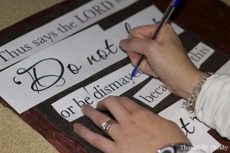 DIY sign making tutorial from thankfullythrifty. Expensive look for a lot less money!