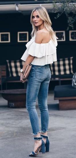ruffle off shoulders top. skinny jeans. block heel sandals. spring style.