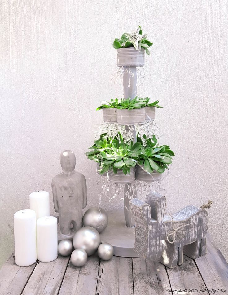 Recycle empty tin cans to make a succulent Christmas Tree - How to on the blog