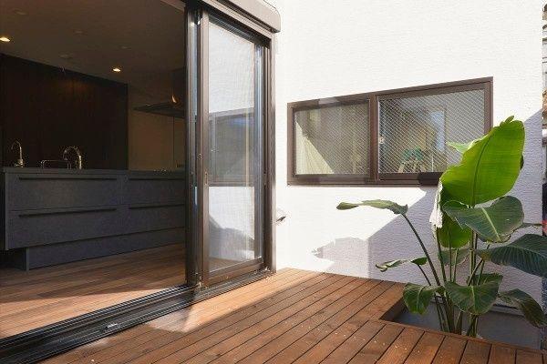 人も動物も快適に暮らせる楽しい家 玄関|重量木骨の家 選ばれた工務店と建てる木造注文住宅