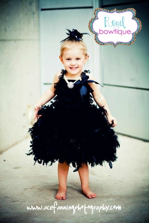 'TOTAL AUDREY' FLOWER GiRL DRESS BY ROYAL BOWTiQUE!!! =) {acefanningphotography}
