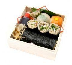 今日はこれを食べました  道頓堀今井といえばきつねうどんですがこういうのもあるんですね  道頓堀今井そば寿司  くわしくはこちら http://www.d-imai.com/