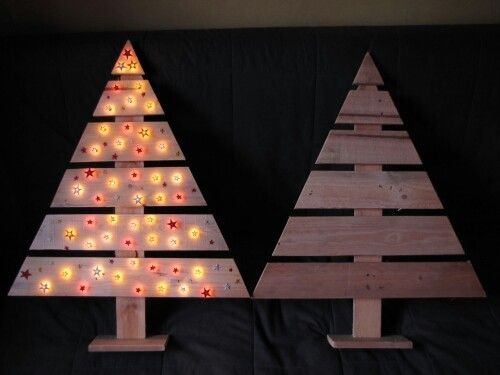 Christmas tree made of pallet.
