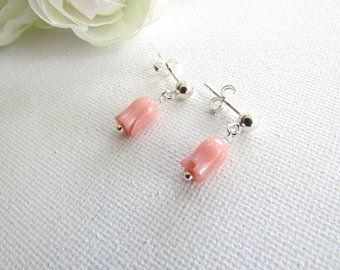 Minimalistische Oorbellen Zilver : Mooie roze koraal tullips sterling zilveren kerstbal post