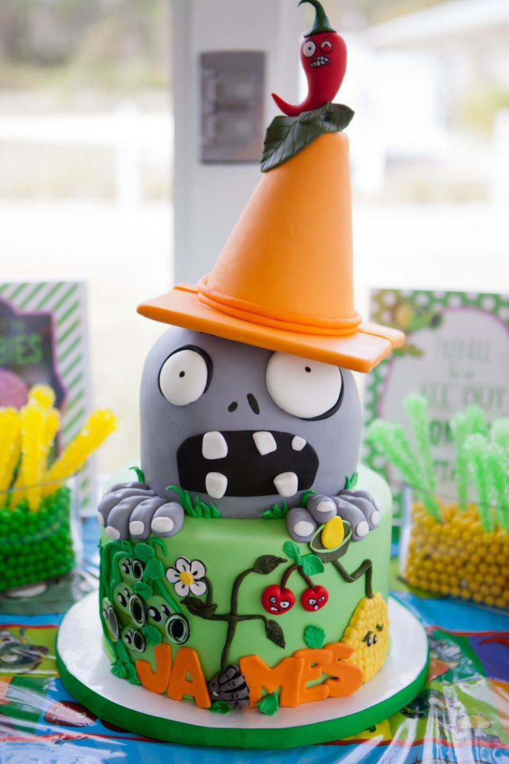 Plants vs Zombies birthday cake by Bliss Pastry.