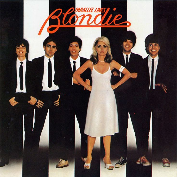 I had this,I mastered the blondie logo and drew it just perfectly sadly I smashed the album when my younger sisters played it over and over.
