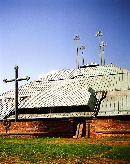 Kościół Ducha Św., arch. Stanisław Niemczyk, lata 70. | Foto. Janusz A. Włodarczyk ©
