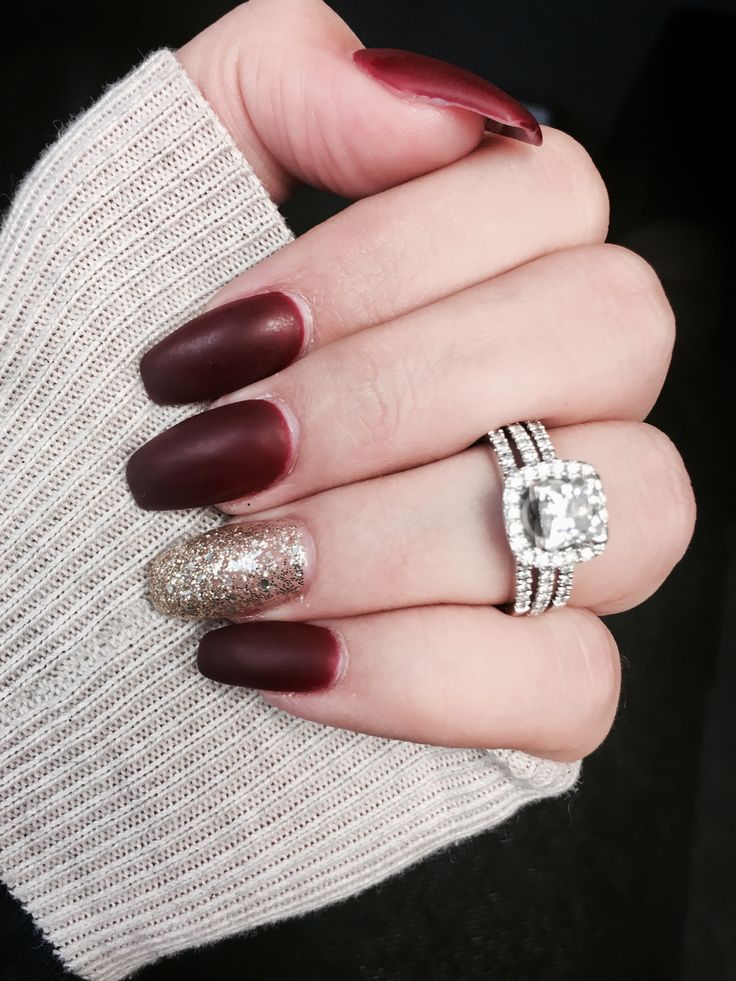 Burgundy Matte Stiletto Nails With Glossy Tips: Burgundy Matte Nails With Gold Glitter