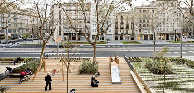 Sidewalk playground on the Passeig De St Joan Boulevard, Barcelona. Click image for fully-illustrated description via architect Lola Domènech & visit the slowottawa.ca boards >> http://www.pinterest.com/slowottawa/