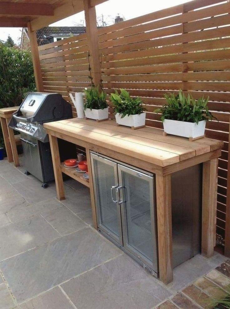 outdoor küche mit überdachung aus holz und glas Ces ...
