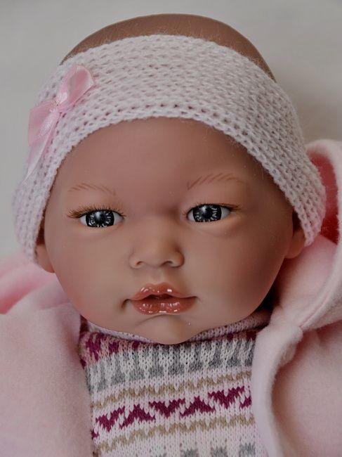 Realistické miminko holčička Alba v růžovém zimním oblečení  od firmy Guca