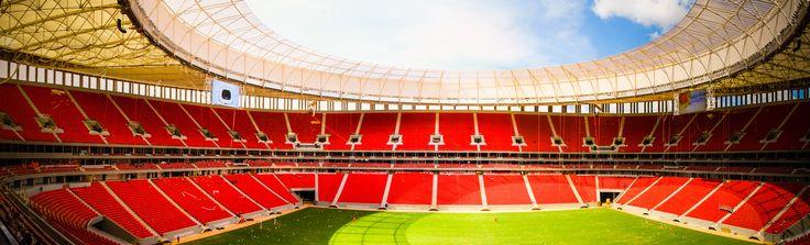 A capital federal se prepara para dar o apito inicial para a Copa das Confederações. O Estádio Nacional Mané Garrincha receberá o primeiro jogo da competição, Brasil e Japão, no dia 15 de junho, às 16h. O jogo de abertura será um aperitivo para as sete partidas que Brasília receberá em 2014, pela Copa do Mundo.