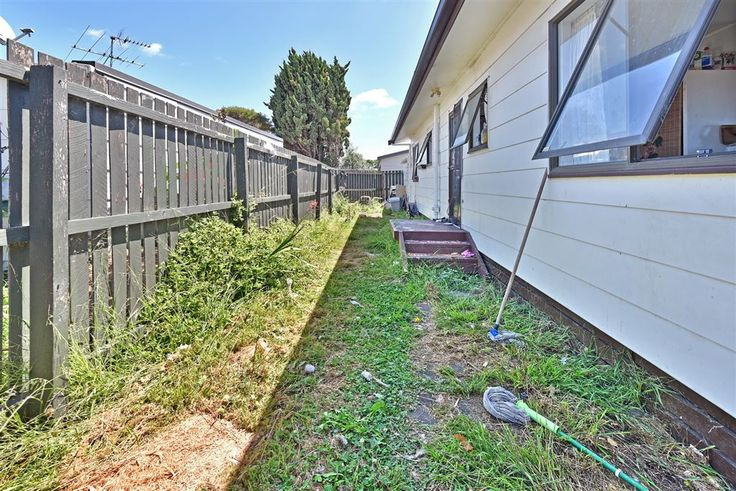 #StationRoad #No45 #Takanini #SmartInvestment #CosmeticEnhancements #RealEstate #Harcourts #Manukau #PreetandCo #ListwithMe #2BSold #4Sale #MustSell #Investment #FirstHomeBuyer #GUL4T1   http://ajaygulati.harcourts.co.nz/Property/795109/MKU22452/45A-Station-Road