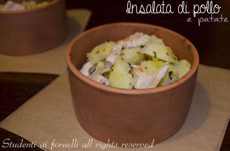 L'insalatona di pollo e patate fredda è un piatto unico facile e veloce da preparare, ideale contro il caldo della stagione estiva. E' una ricetta light..