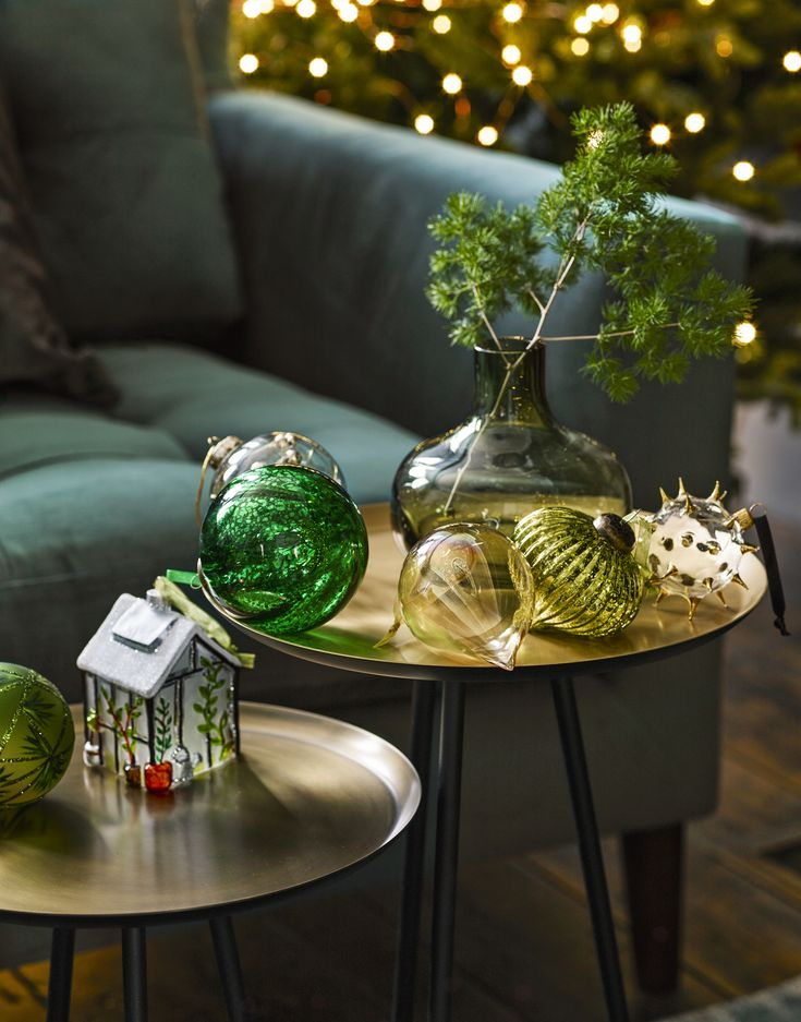 Create a spell-binding Christmas with Into The Woods. Layer opulent touches like golden pinecones, embellished woodland creatures and glittery baubles with faux greenery.