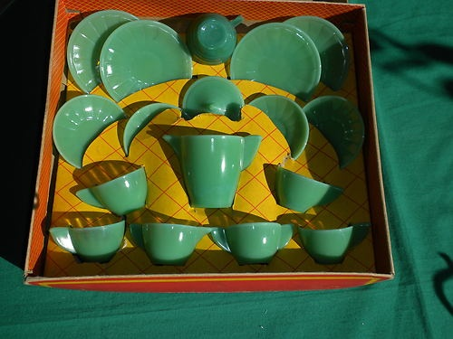 Akro Agate Childrens Play Time Glass Dishes Tea Set For 4