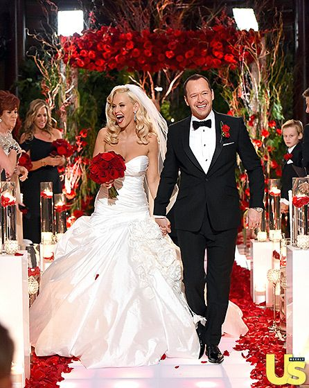 """Ravishing Rose Affair"" Jenny McCarthy & Donnie Wahlberg's wedding-  Floral and Decor by Avant Gardenia www.avantgardenia.com Hotel Baker | St. Charles, IL"