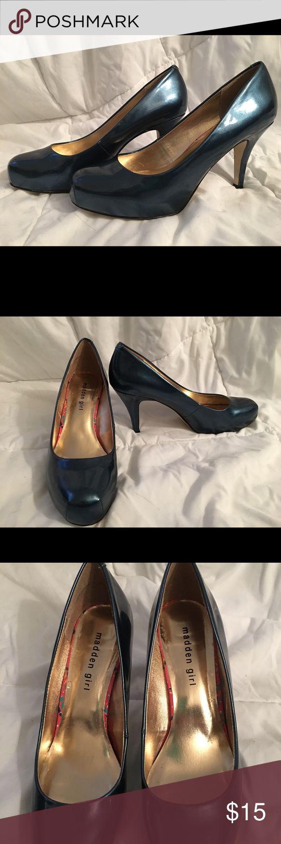 Ladies teal high heels Madden Girl, ladies  1/2 in platform, 3 in heel in shimmering teal, in a 9 wide Madden Girl Shoes Platforms