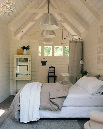 What a lovely guest house (shed)! <3 www.naturalbedcompany.co.uk for similar cotton bedding in white and taupe