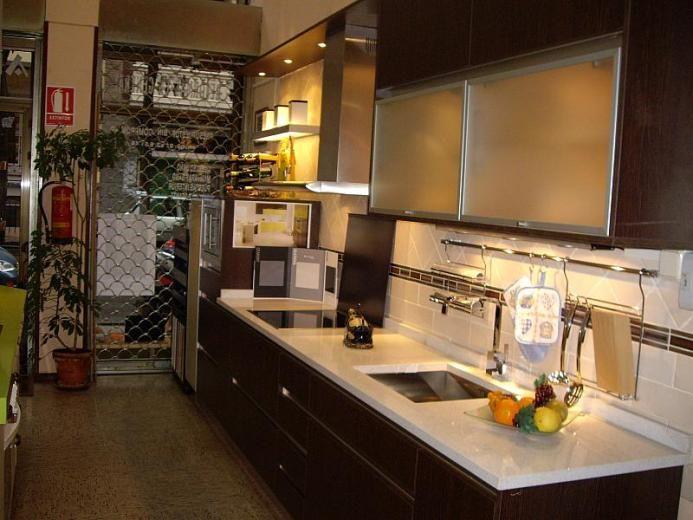 Liquidaci n exposici n de cocinas muebles de cocina en for Muebles de cocina espana