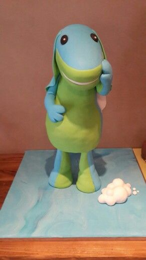 A 65cm tall lollos cake
