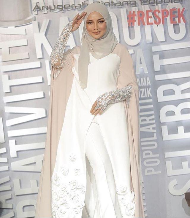 @neelofa #HijabApp