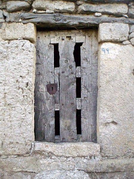 17 mejores im genes sobre puertas ventanas y cerraduras - Dintel de madera ...