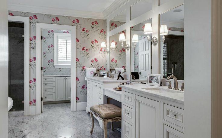 Обои для ванной комнаты: плюсы и минусы, виды, дизайн, 70 фото в интерьере-10