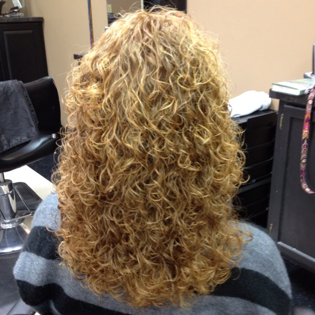 I would do a perm like this just a soft perm though for C curl perm salon vim