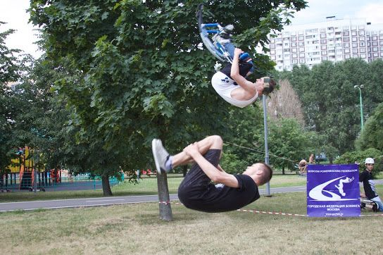 "Front Flip - Moscow powerbocking team ""hooliGANGS"""