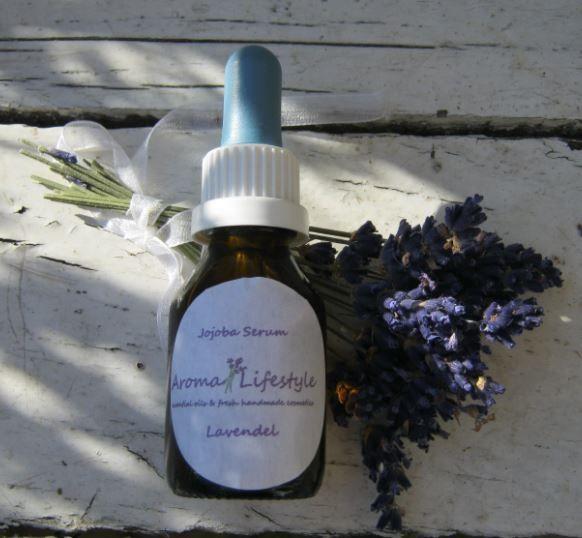 Dit jojoba lavendel gezichtsserum is een hydraterend serum dat geschikt is voor…