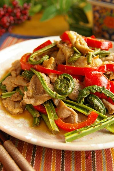 山菜(こごみ)のみそ炒めのレシピ 簡単山菜料理の作り方とコツ