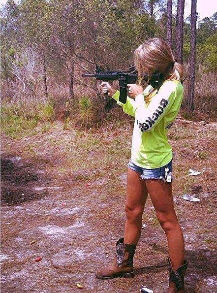 Redneck Girls Tumblr Foregrip   GIRLS N GUN...