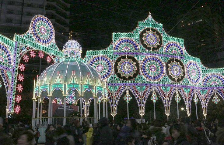 [写真]鎮魂の輝きを放つ神戸ルミナリエ=4日午後7時ごろ、神戸市内で - Yahoo!ニュース(THE PAGE)