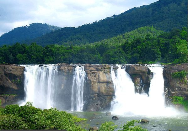 ATHIRAPALLY WATERFALLS – A MUST VISIT FOR ADVENTURE LOVERS