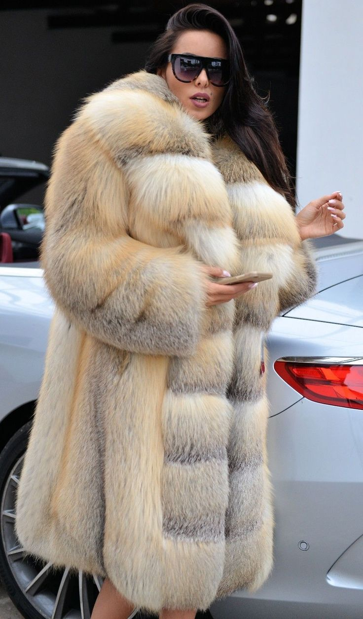 FUR YES — Golden Island Fox Fur Coat (1)