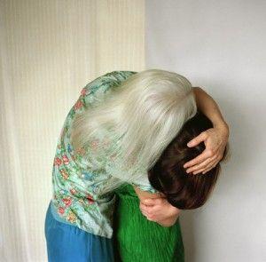 Ute Klein Creates Temporary Sculptures of Loving Couples