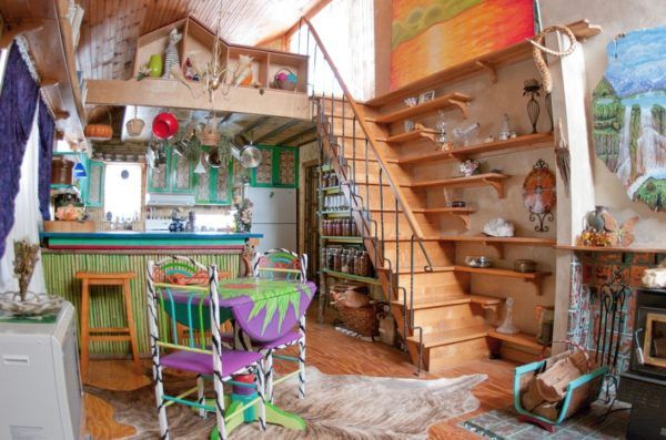 720 Sq. Ft. Garden Cabin -I COULD LIVE HERE! With my own touches of course! This is LOVELY!!!