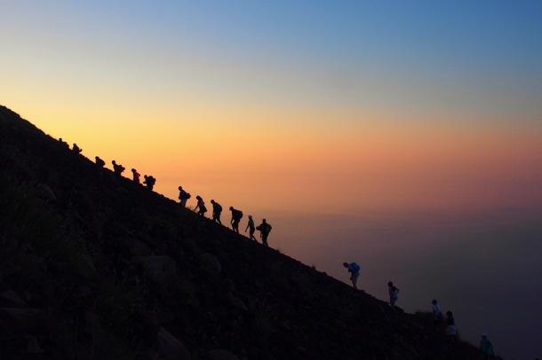 Travel - Mini Eurotrip: Climbing Mt Stromboli / AN ACTIVE VOLCANO http://www.smallcrazy.com/2012/07/mini-eurotrip-climbing-mt-stromboli.html