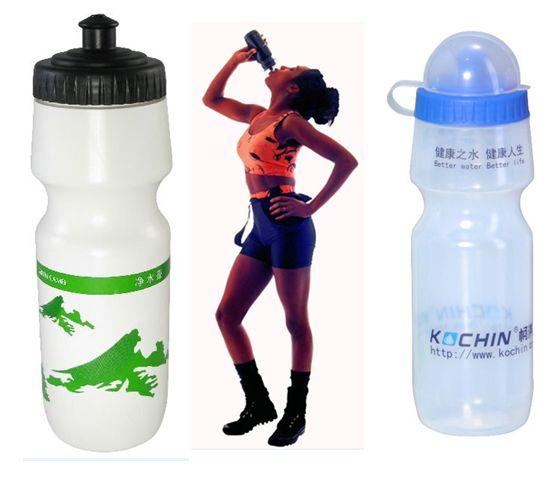 人気スポーツドリンク用ボトル水筒750ML/24ozノズル直飲みドリンクボトル スポーツオリジナル