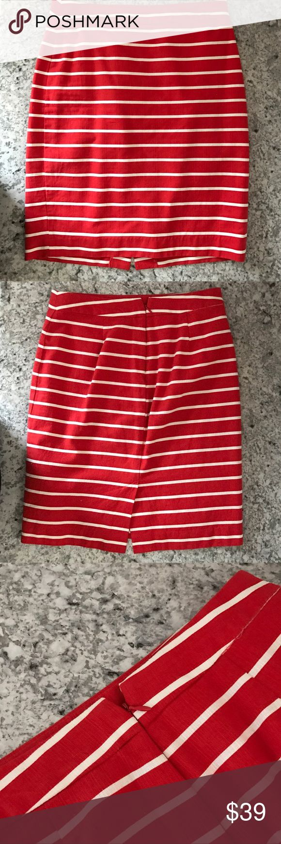 Banana Republic coral & white striped pencil skirt **Price Drop** Perfect for spring and summer! Banana Republic bright coral and white striped pencil skirt. Fully lined, back zipper, with small hook closure. Size 2. Banana Republic Skirts Pencil