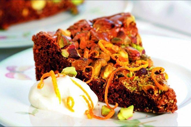 Sjokoladekake med pistasienøtter og appelsin
