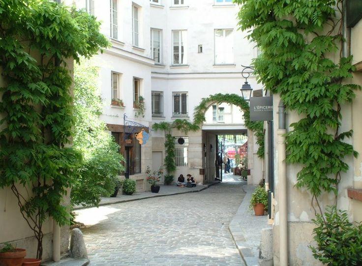 La ruelle cachée de la Place de la Bastille